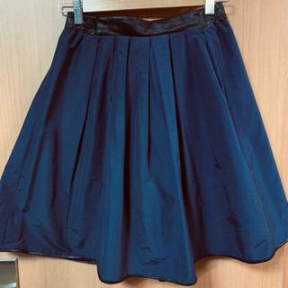 ROSE BUDのスカート