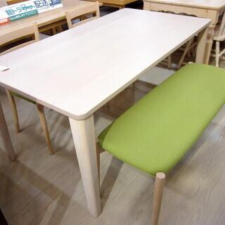 飛騨ibata/IDC大塚家具のダイニングテーブルです!
