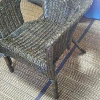 籐でできた椅子!