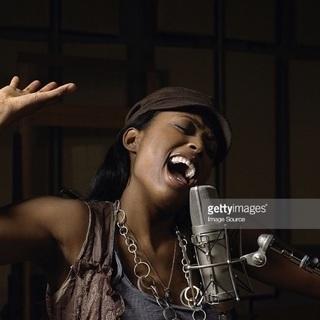 オンラインで歌のレッスン・本格ボイストレーニング♪