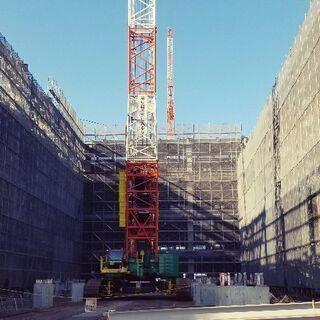 建築現場における 鉄筋組み立て作業