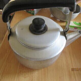 大きめヤカン差し上げます。(煮出し茶作りなどいかがですか?)