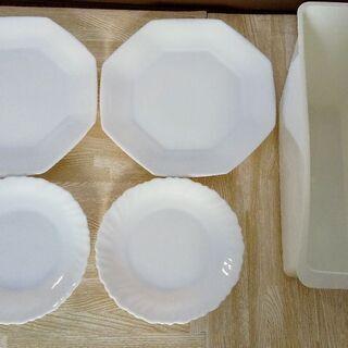 お値下げ中【美品】上品な白い食器+縦置き用ケース付き