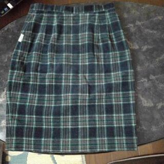 ゴルフとか用たぶんLサイズ 冬チェックのタイトスカート