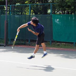 全国優勝経験有りの現役早大生によるテニスレッスン