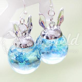 【ハンドメイド】ガラスドーム ラメ&ブルーダイヤ ピアス