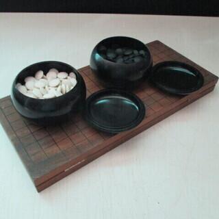 囲碁・折り畳み式の碁盤・碁石セット