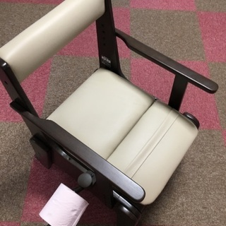 家具調未使用介護簡易トイレ&未使用シルバーカー