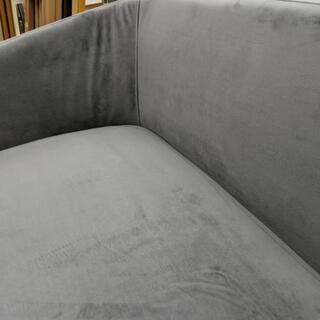 【展示品☆未使用】2人掛けソファ ベロア調 グレー色 - 家具