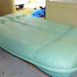 価格変更しました。合皮製ソファーベッド(収納付き) 中古