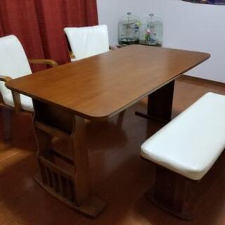 リビングテーブル5人用 木製 レザー回転チェアセット