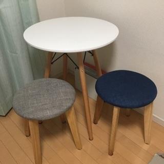 【ジャンク品】テーブル + スツール 2脚