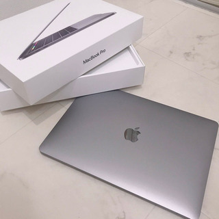 【ほぼ未使用】2019 Apple MacBook Pro 13...