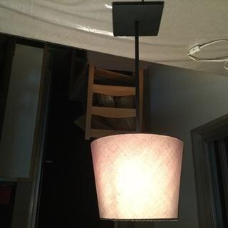 イケアのグレー布製テーブルランプ  写真は逆になってます。