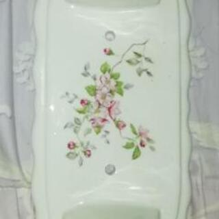 メルヘンチックな陶器のトイレットペーパーホルダー 新品未使用 花柄