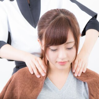 美容師さん(マッサージスタッフ)_採用祝い3万円支給_完全週休2日