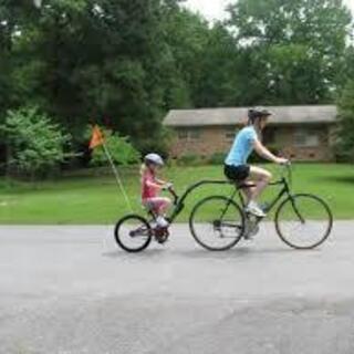 Adams Trail-A-Bike(親の自転車に連結する子供自転車)