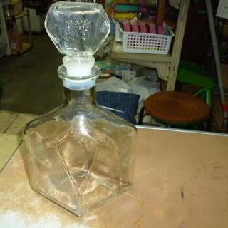 中古品、珍しいガラス瓶 1瓶