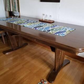 ダイニングテーブル をお譲りします。(※写真のマットやグラス類は...