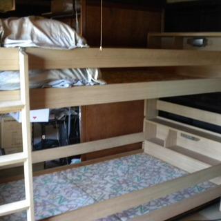 |値下げしました|ゆったりしたサイズの二段ベッド