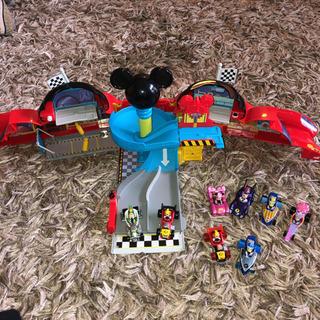 ミッキーマウスとロードレーサズ  ミッキーガレージ  スーパーチ...