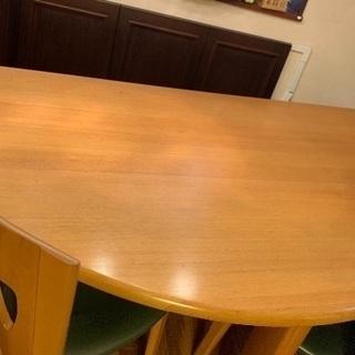 半月型テーブル