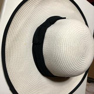 ハット 4つになります。帽子