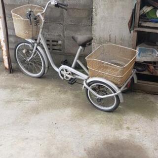三輪車売ります。