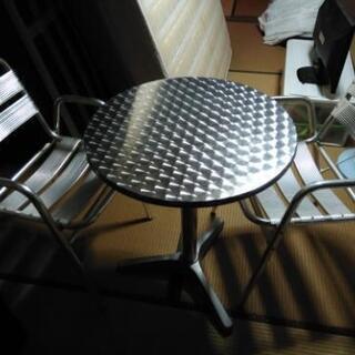 ★アメリカンなテーブルとイス2脚セット★アルミ製