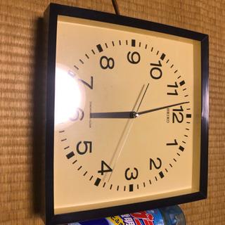 セイコーのアンティークな電気掛け時計