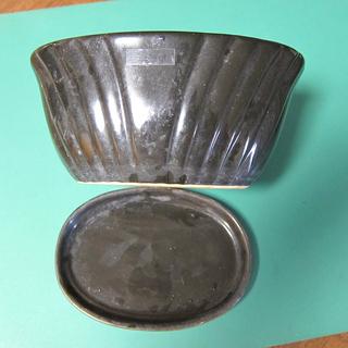 0円!楕円形の植木鉢