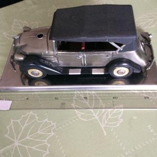 トヨタビスタ クラシックカー模型