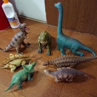 恐竜の人形    7体セット
