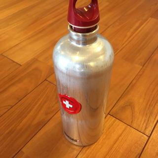 【SIGG正規品】スイス製アルミボトル 1L ケース付