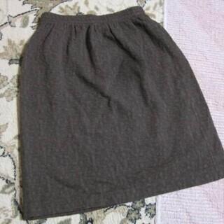 スカート 濃いベージュ