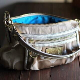 COACH(コーチ)のバッグ売ります。ポピーシグネチャーグルーピー