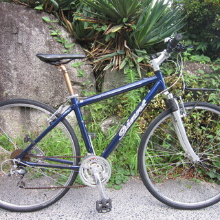 61.クロスバイク GIANT CROSS 3400 3×8速 Fサス