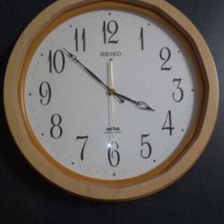 壊れた掛け時計