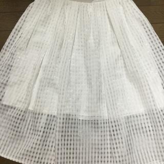 白チェックのシフォンスカート
