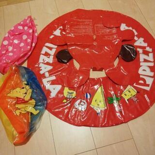 ピザーラの浮き輪とビーチボール