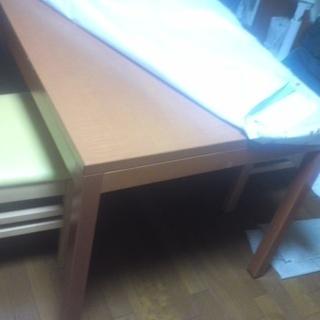 木製のダイニングセット(椅子4脚と、テーブル)がこの値段!! - 家具