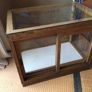 昭和レトロ ガラスケース