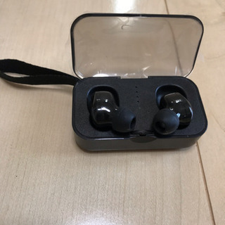 Bluetooth イヤホン 新品未使用   取りに来られる方限定