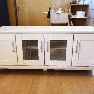 アンティーク調食器棚(ローボード)