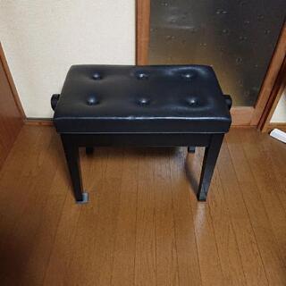 ピアノ 黒レザー椅子