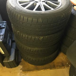 トヨタノアに履かせていたタイヤになります。