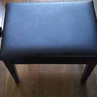 高さ調整出来るピアノの椅子