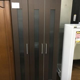 【ニトリ】3枚扉ワードローブあります!!