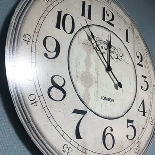 B-company インパクト大! 大きな掛け時計