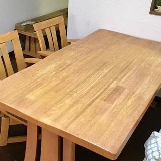 値下げ!ダイニングテーブルと椅子2脚セット